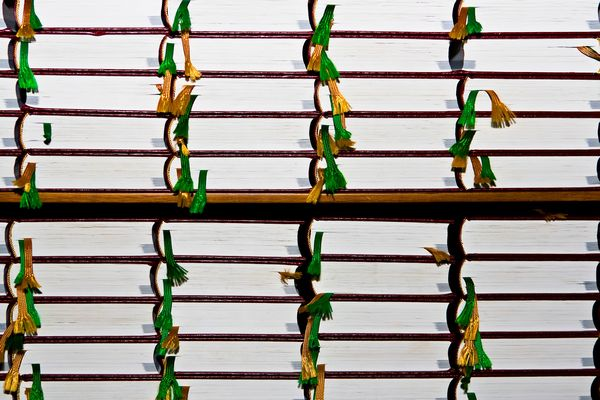 stockvault-bookshelf-126368